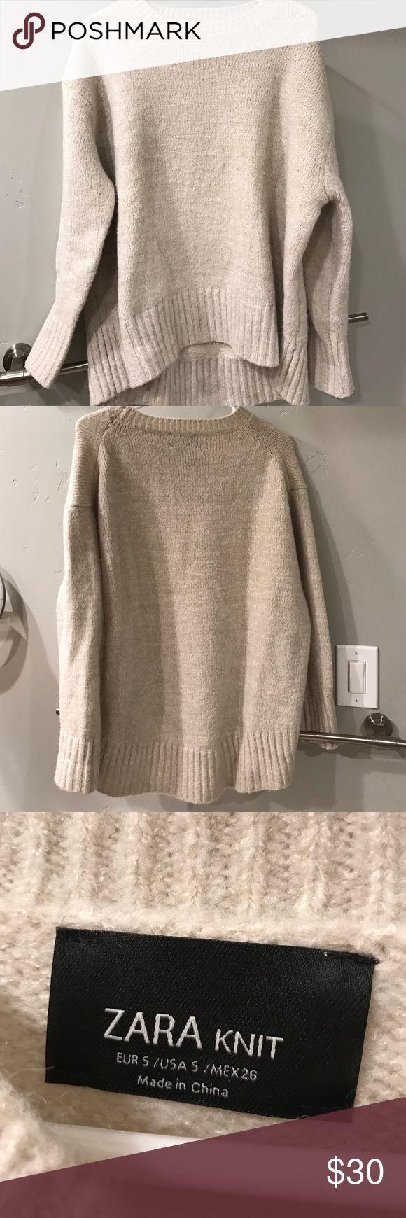 Zara Oversized Knit Sweater Used, excellent condition Zara Sweaters Crew & Scoop Necks