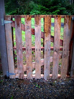 blue roof cabin: Gate from Pallets for gate to nowhere
