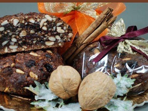 Il Pan Pepato, dolce di origine umbra conosciuto in tutto il centro Italia, è un dolce molto diffuso nella tradizione romana e prenestina.