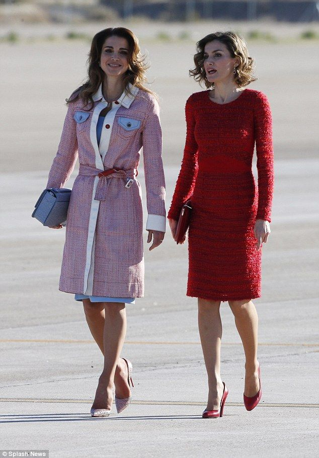 Queen Rania of Jordan looks chic in Fendi Resort 2016 as she arrives in Spain to be received by King Felipe VI and an equally glamorous Queen Letizia at Madrid airport