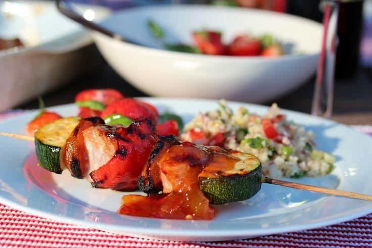 """Ny weber og ny rett """"Grillspyd med svinefilet, aprikos og hot mangosaus"""". Mmmmmmmmmmm"""