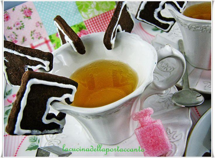 """Biscottini al cioccolato e lavanda di """"La cucina della porta accanto"""". #ricetta #biscotti #lavanda #cioccolato #dolcificante #stevia #truvìa #eridania #eridanialovers"""