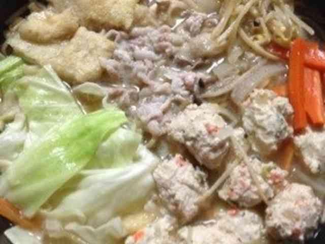 スープも鶏つくねもお手製☆味噌ちゃんこ鍋の画像