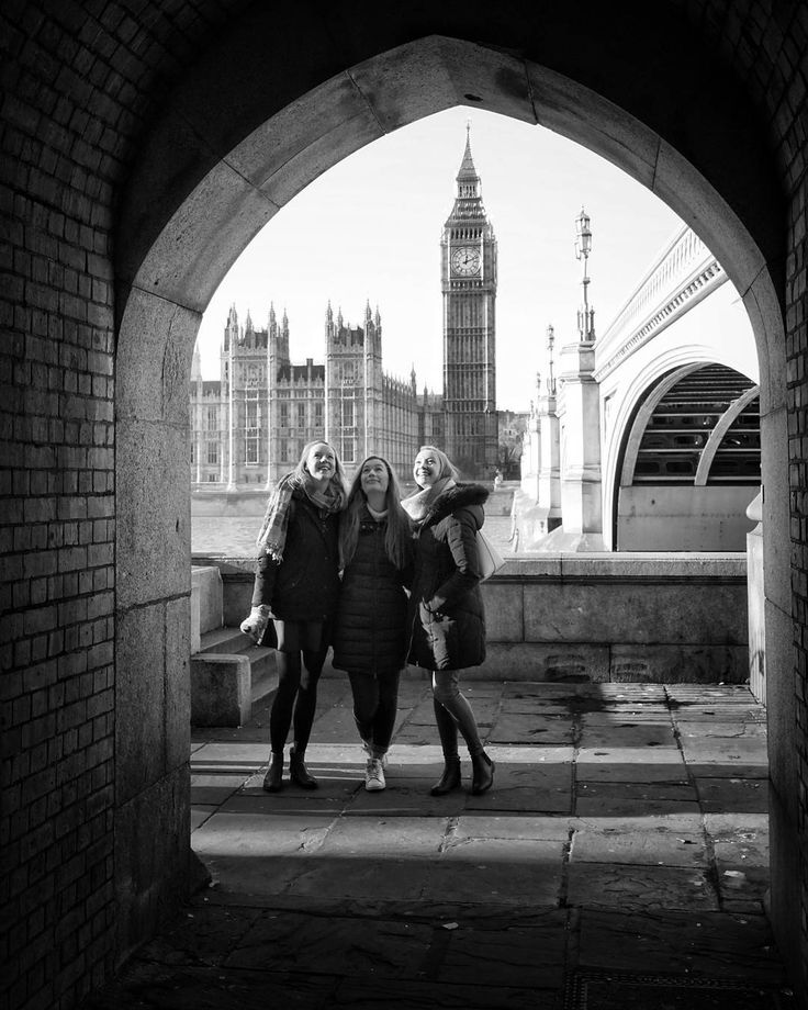 Happy Three  #makeportraits #BigBen #happybirthday  Breithlá SonaHappy Ciara!    #lookup #ldn4all_shard2017 #portraits_ig #portrait_perfection #frame #peopleportraits #spontaneous #birthday