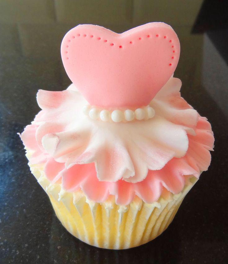 Tutu ballerina cupcake.