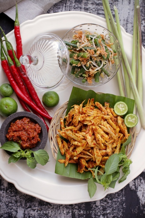 Balinese Chicken (Ayam Pelalah) recipe - This chicken is an everyday dish as well as a ceremonial staple. Balinese food is spicy and calls for numerous spices in the preparation process, but it's well worth it! #indonesian #balinese #chicken