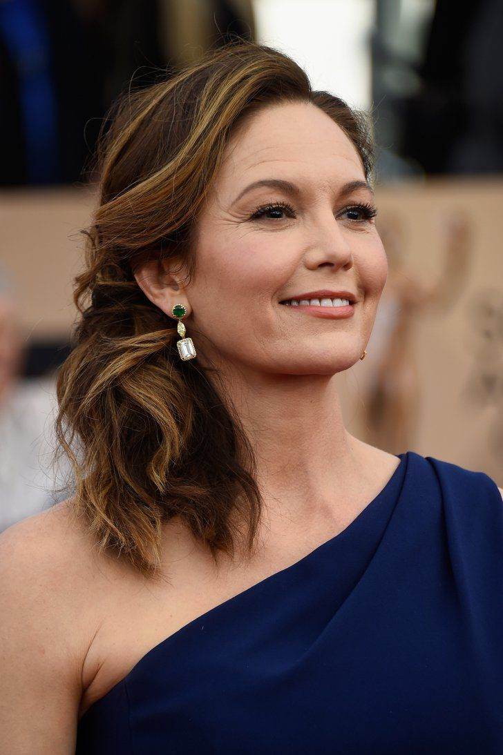 Pin for Later: See Every Breathtaking Beauty Look From the 2016 SAG Awards Diane Lane The golden highlights in Diane's hair brightened up her luminous complexion.