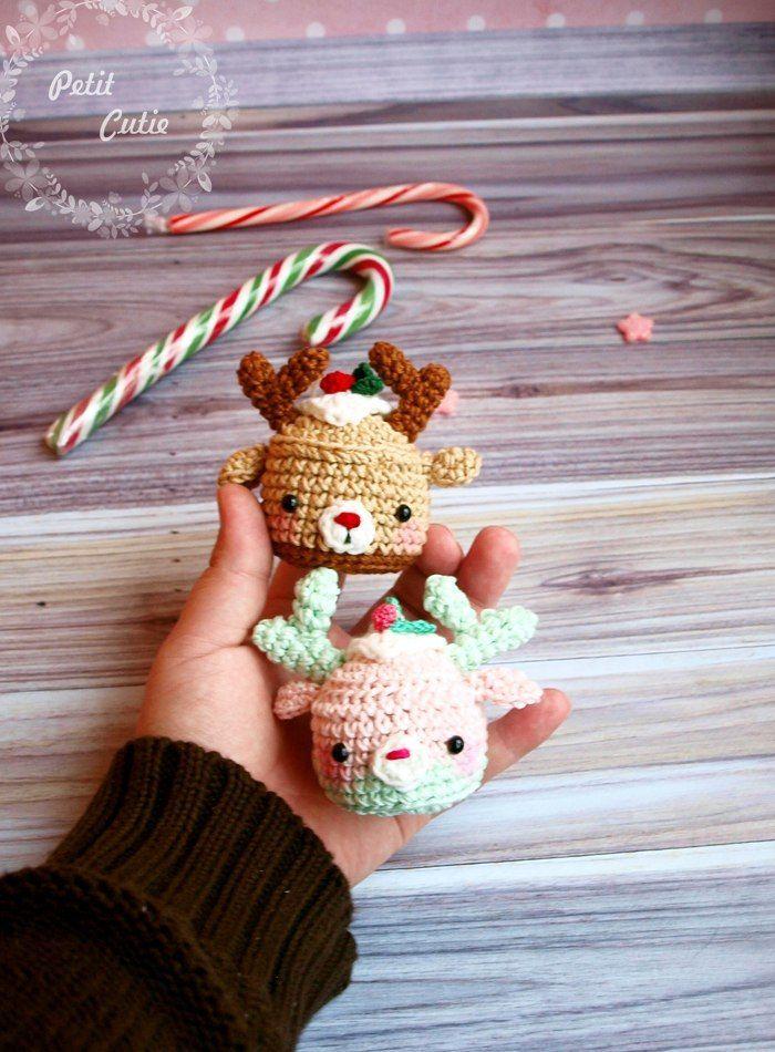 Christmas deer cupcake amigurumi pattern - Many free amigurumi patters