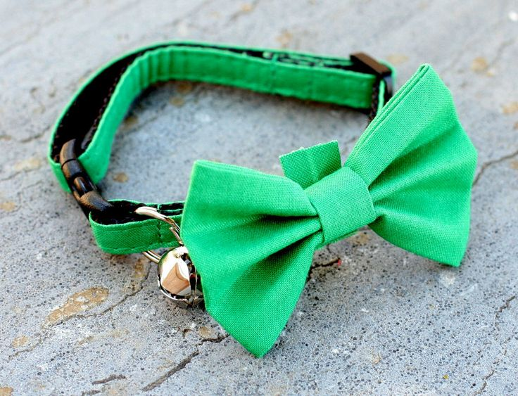Cat Collar with Bow Tie  Green by AmysCollarsAndMore on Etsy, $19.97
