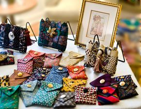 purses made from mens neckties   Purses, Belts, Small Cases made from Men's Ties