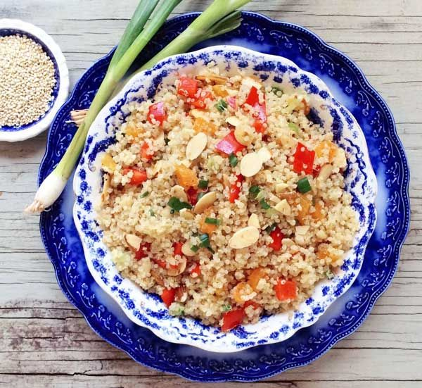 """Quinoa, """"el superalimento"""": Propiedades y recetas con quinoa , Quinoa, el superalimento y sus propiedades. Qué es la quinoa, qué propiedades nutricionales tiene y cómo podemos cocinarla en recetas con quinoa."""