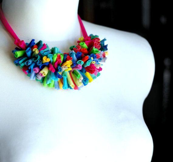 Collar de chenilla - rosa/neon verde/multicolor/reciclado/fringe/eco-friendly/antialérgico/babyfriendly/cirrhopp