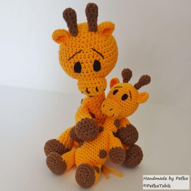 "<span>Háčkovaná rodinka - dve žirafky | <a href=""http://img.flercdn.net/i2/products/6/2/6/242626/6/3/6347229/vmxtirhxpvuibv.jpg"" target=""_blank"">Zobrazit plnou velikost fotografie</a></span>"