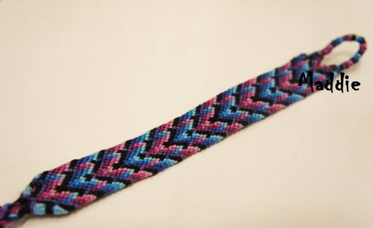 One of my favourite style of #friendshipbracelets :)