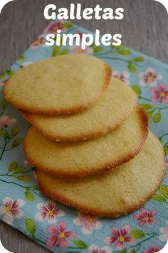 Hoy os traigo una receta muy sencilla de galletas que se hacen en un momento (en 20 minutos o menos las tenéis listas) y que resultan ideales para, por ejemplo, acompañar el té o el café. Y ya si le añades alguna esencia, ganan un montón. La clave de estas galletas es su sencillez y …