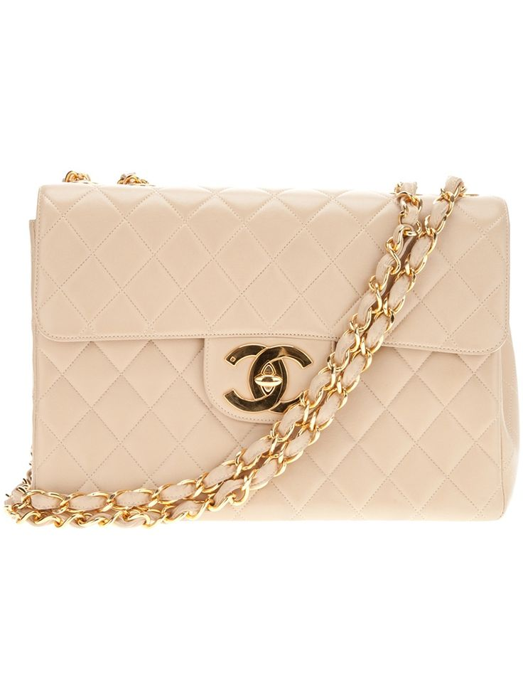 CHANEL VINTAGE quilted shoulder bag https://www.facebook.com/photo.php?fbid=10154048163888695&set=g.1480829668814718&type=1&theater