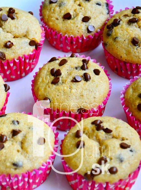 Vláčne banánové muffiny s kúskami čokolády