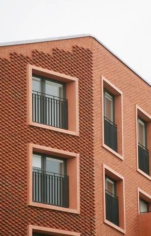 Fassaden-Detail: Ziegelmauerwerk in Neu-Ulm Architekten: Fink + Jocher, München