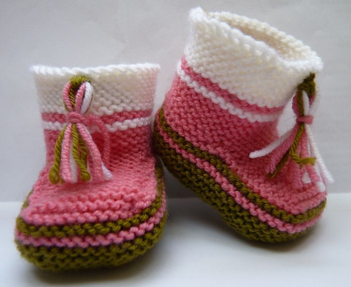 Ravelry: 18 - Chaussons #454-T6-013 by Phildar Design Team
