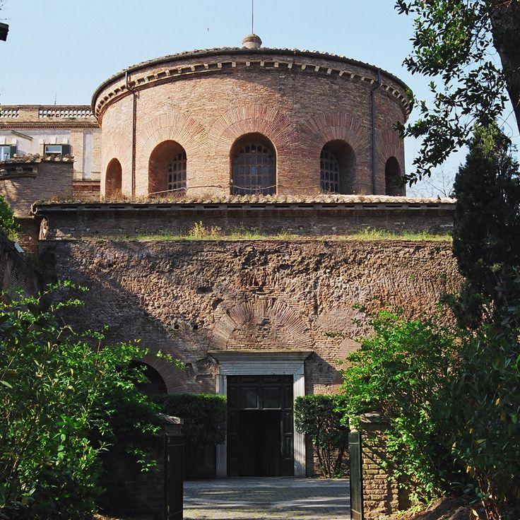 Il Mausoleo Di Santa Costanza Situato A Roma Fu