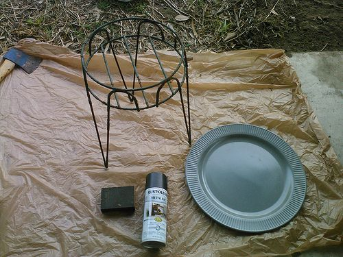How to make an outdoor side table from a plate and a planter | Offbeat Home