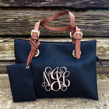 Monogrammed purse!  Love the Navy
