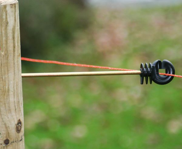 Straight Distance Insulators For Horse Electric Fencing