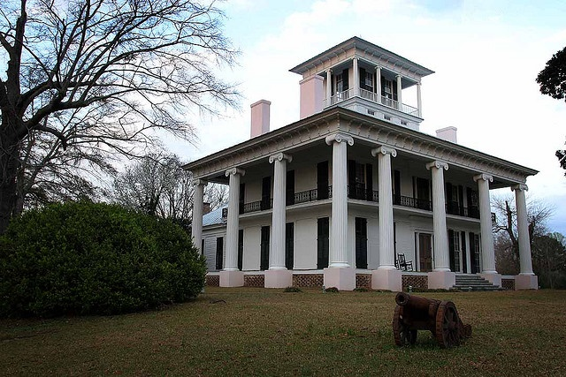 17 best images about historic homes on pinterest queen for Home builders in south alabama