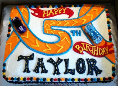 Hot wheels cake... Keeping this for Brantley one day