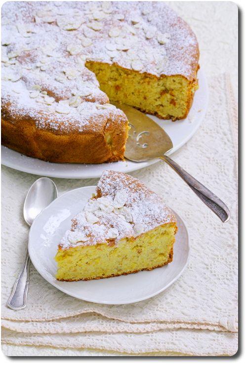 Gâteau fondant aux amandes et noisettes (sans farine ni beurre) / Moist almond and hazelnut cake (no four, no butter)