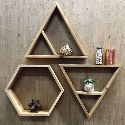 30+ Clever DIY floating triangular shelves that you can try
