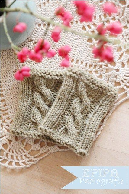 36 best Handstulpen stricken images on Pinterest | Knitted gloves ...