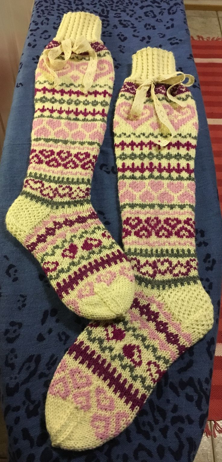 Valentine's socks, yarn 7-brothers, pattern my own, charts from Pinterest, 3,5mm needle, magic looping :D
