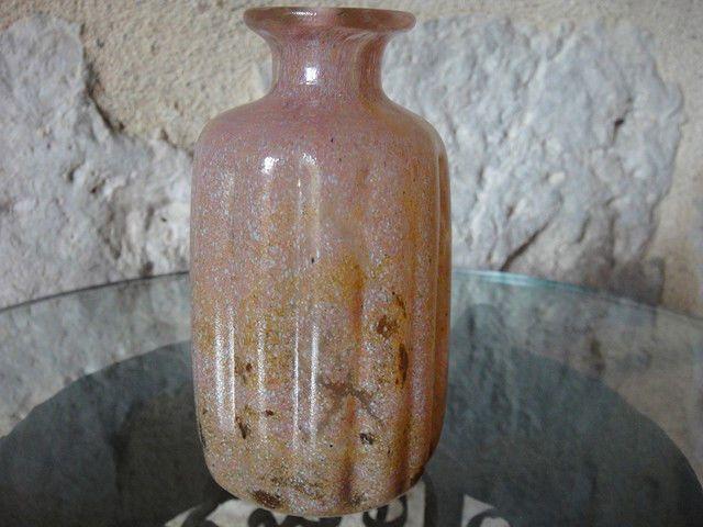 Benni Motzfeldt signed vase/bottle. Norway. Looks vaguely familiar.. Right shape & size, just wrong colour! ;)