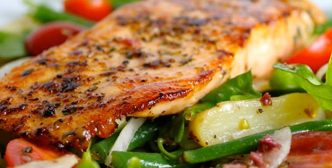 Marinated Salmon with a Vegetable Salad | Recipes - Bodytrim