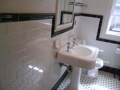 classic Chicago bungalow bathroom, looks original