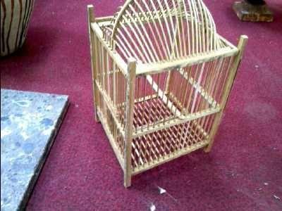 les 15 meilleures images propos de cage oiseaux sur pinterest voitures id es de jardin et. Black Bedroom Furniture Sets. Home Design Ideas