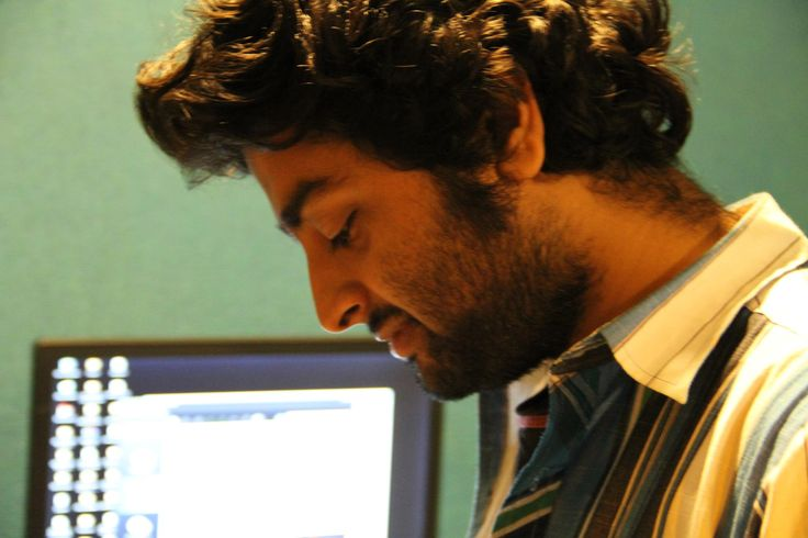 Arijit-Singh-Singer-Live-Performances-Images-Photography-Wallpaper-Gallery1.jpg (2048×1365)