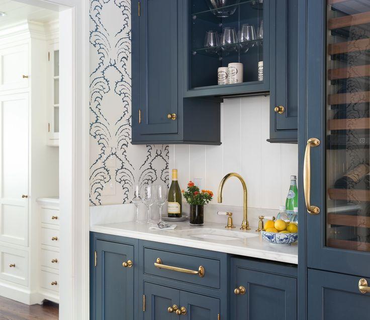 Farrow & Ball Hague Blue, wallpaper Pineapple frond by Soane Britain