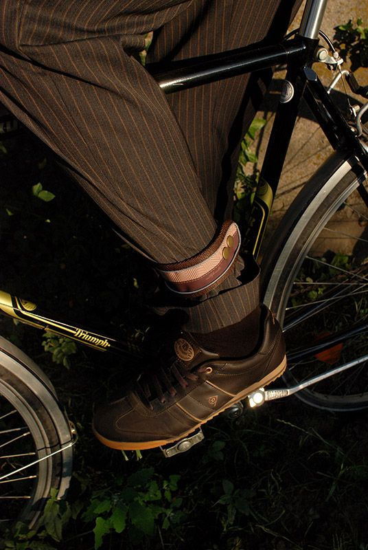 Millflorell TweedFlorell (For Him and For Her) reflective ankle straps in action
