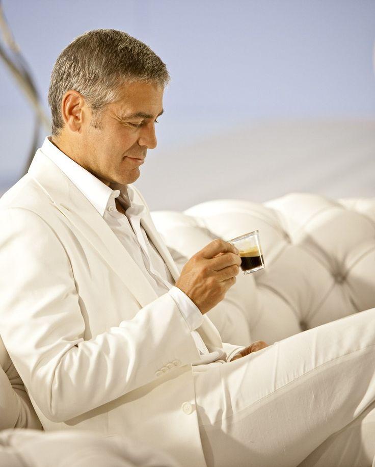 George Clooney  & Italian Espresso http://legjobbkave.hu/igy-kaveznak-a-sztarok/