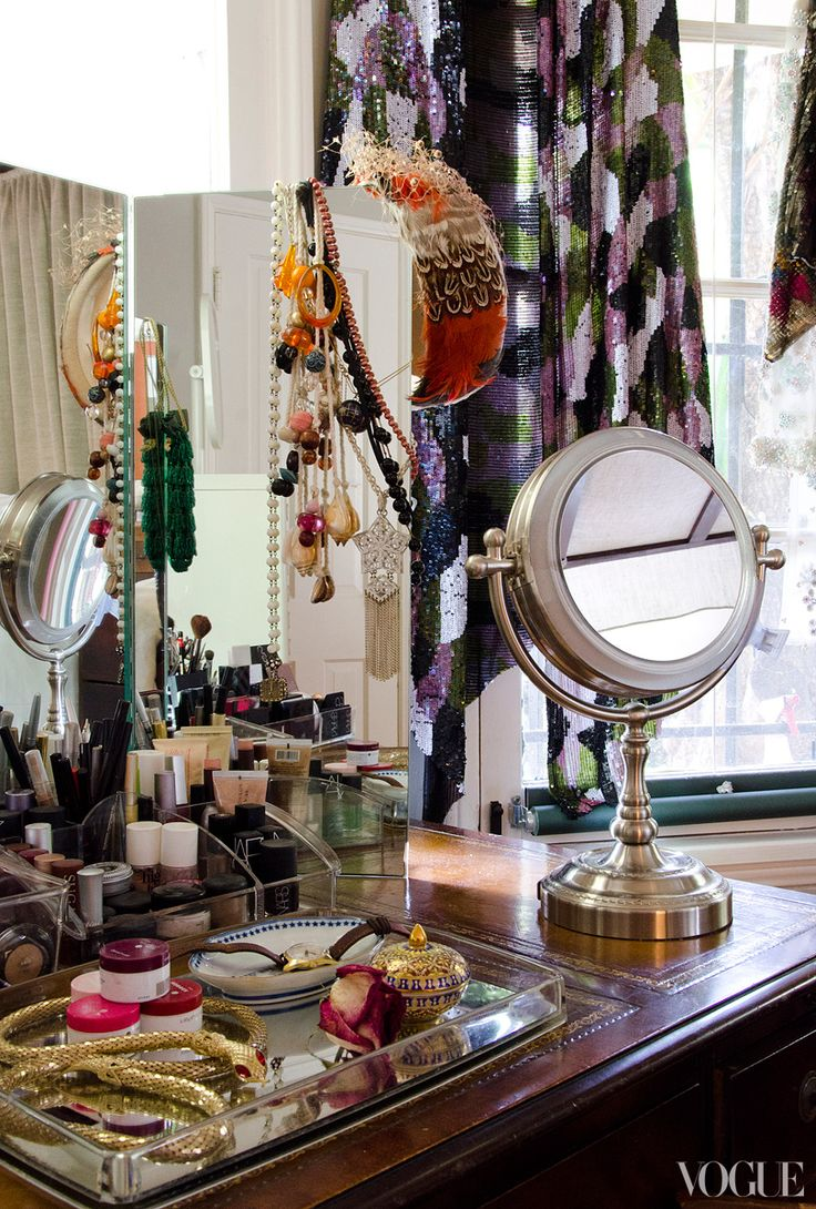Three way dressing mirror.