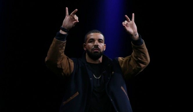Apple Music Has Drake's Approval And Taylor Swift's Discography, How It Will Measure Up To TIDAL?  Read more at http://www.inquisitr.com/2156560/apple-music-has-drakes-approval-and-taylor-swifts-discography-how-it-will-measure-up-to-tidal/  #apple #applemusic #applemusicstreaming #drake #taylorswift #tidal