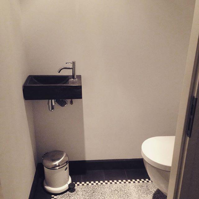 #Granito #verbouwing #toilet #woonideeën #cementtegels #cementtegels.nl #welkevloer #klussen #binnenhuisarchitect