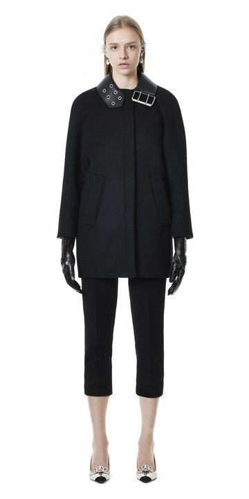 Balenciaga Belt Collar Cocoon Coat - Black - Discover the latest collection and buy online Women on the Official Online Store : Balenciaga.com