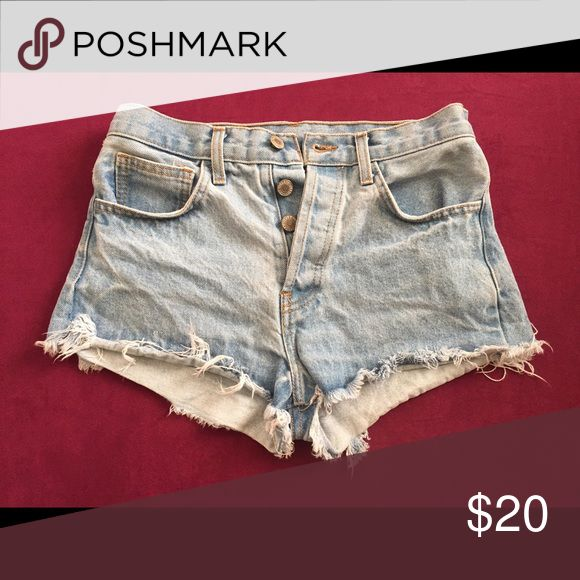 Denim shorts Size small denim shorts. Great fit. I have too many pairs so giving away some. Love these shorts. Brandy Melville Shorts Jean Shorts