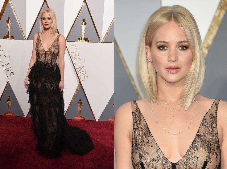Nero sensuale per Jennifer Lawrence che indossa un abito Dior in delicato pizzo chantilly con scollo a V e lunga gonna a balze. Tutto molto bello, ma forse troppo leggero e troppo effetto sottoveste. La sua acconciatura poi... forse dalla star di Hunger Games ci si aspettava qualcosa di più...