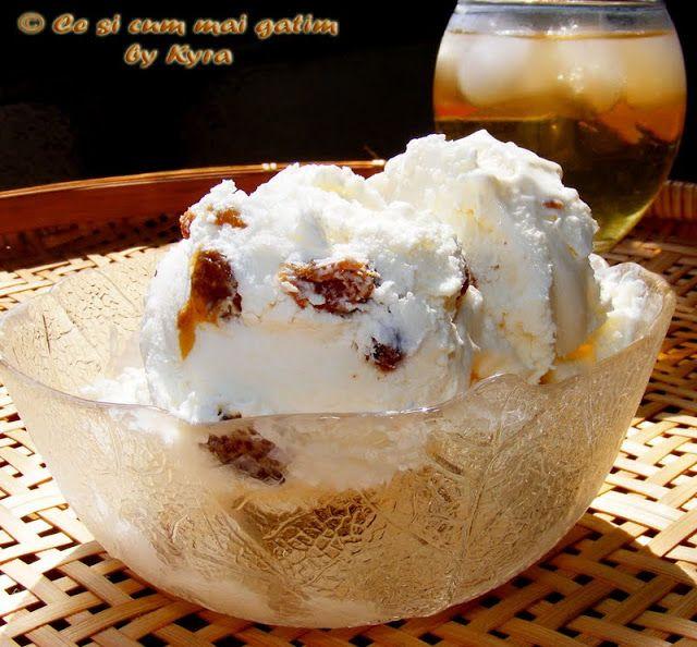 Ce si cum mai gatim: Inghetata de iaurt si mascarpone cu topping de sta...