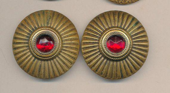 Bottoni gioiello 2 gioielli in vetro vetro rosso di AnnieFrazier