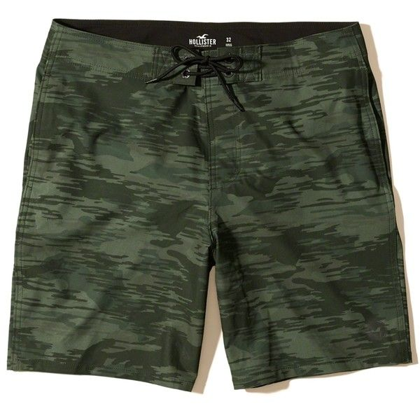 Hollister Classic Fit Stretch Boardshorts (73.660 COP) ❤ liked on Polyvore featuring men's fashion, men's clothing, men's swimwear, camo, mens board shorts swimwear and mens camo swimwear